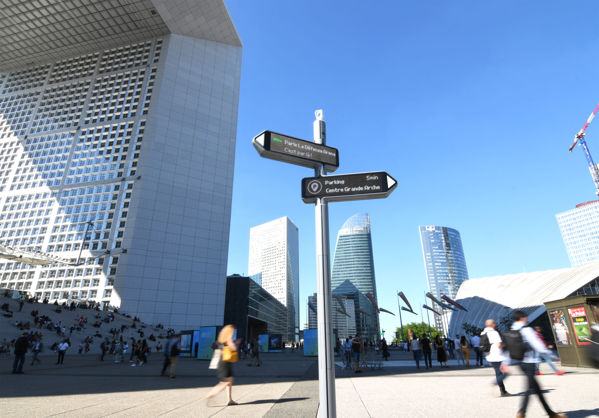 <strong>iGirouette®</strong>in Paris La Défense!